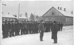 На линейке в Устьваеньгском ГПТУ 14