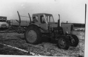 Трактора в поле