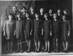 Форма одежды девушек в шестидесятые годы ХХ века